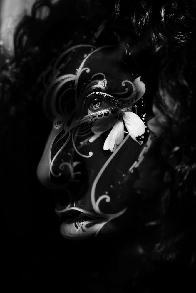 B&W Mask II