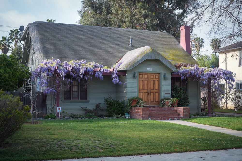 Perfect Los Angeles Cottage Wisteria