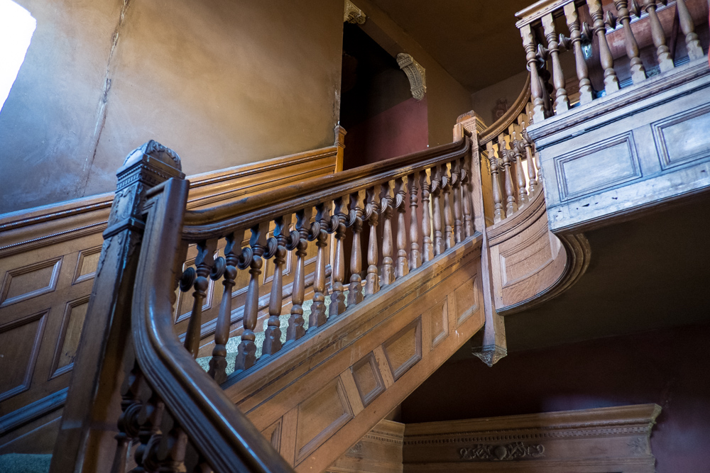 victorian-staircase-los-angeles-west-adams.jpg