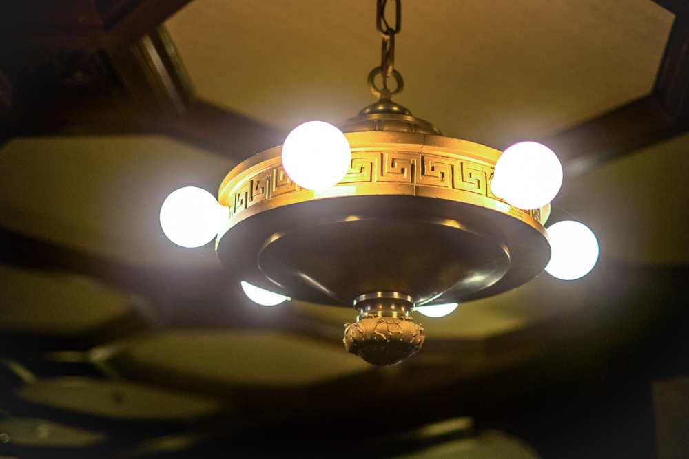 ceiling-light-los-angeles-mansion.jpg