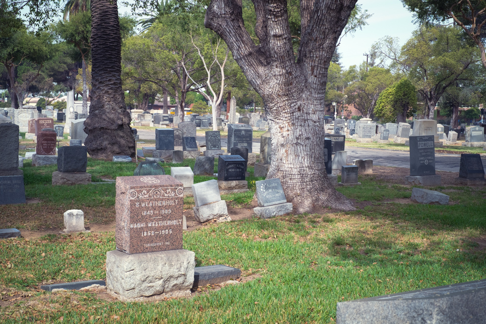 cemetery-in-los-angeles.jpg
