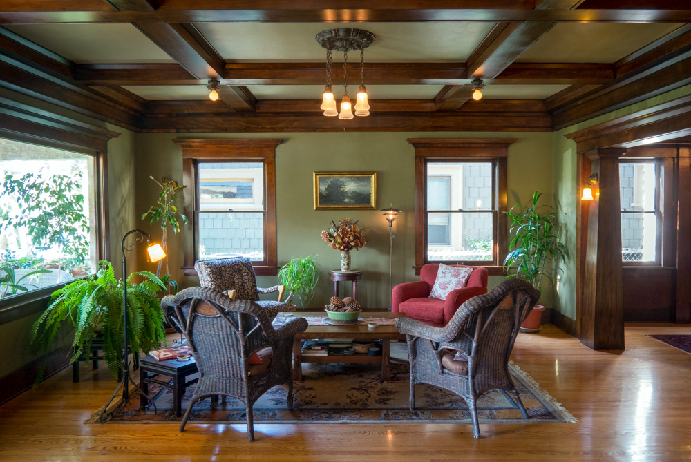 craftsman-home-living-room.jpg