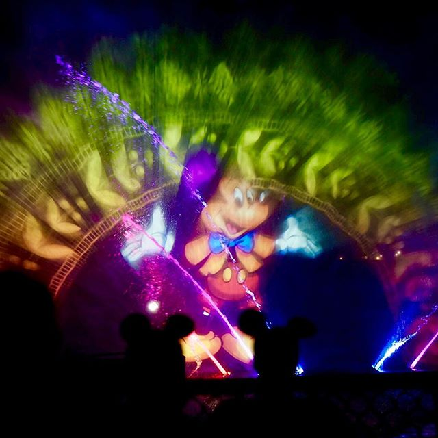 #mickeymouse #fantasmic #disney #disneyland #disneygram #disneyside #disneyphotography #disneyphoto