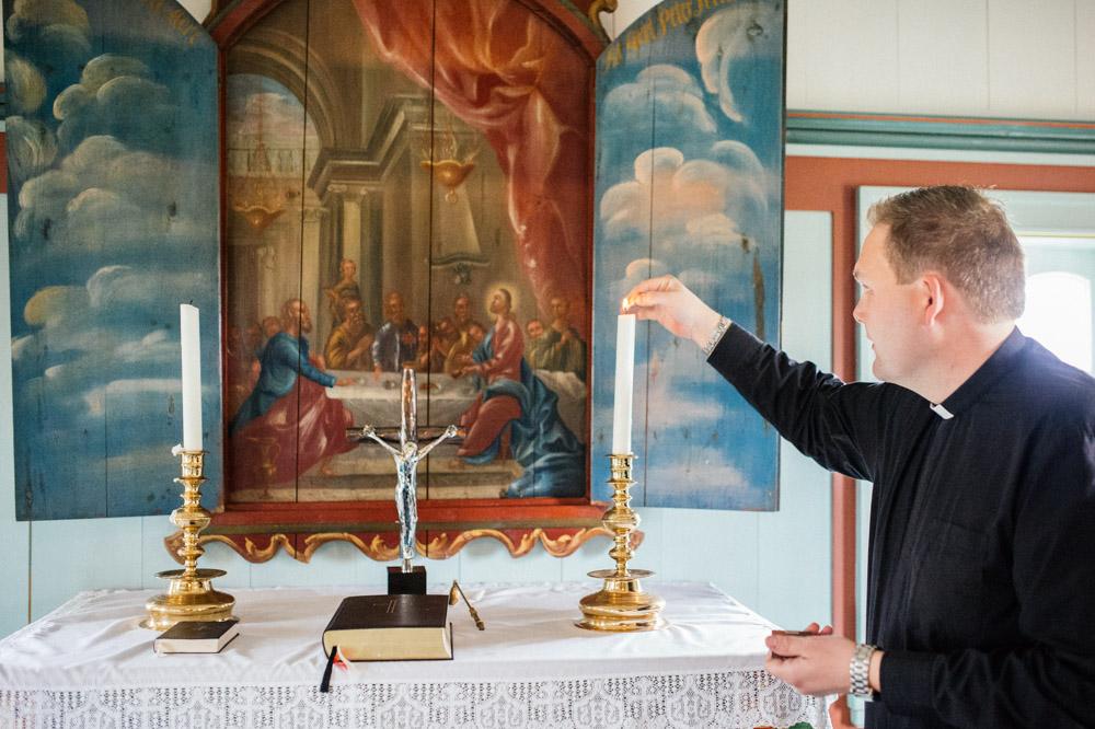 church-altar.jpg