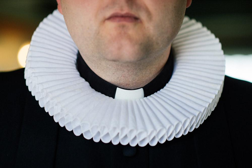 priest-collar.jpg