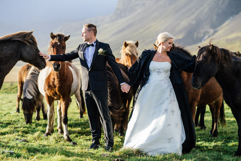 couple-with-horses.jpg