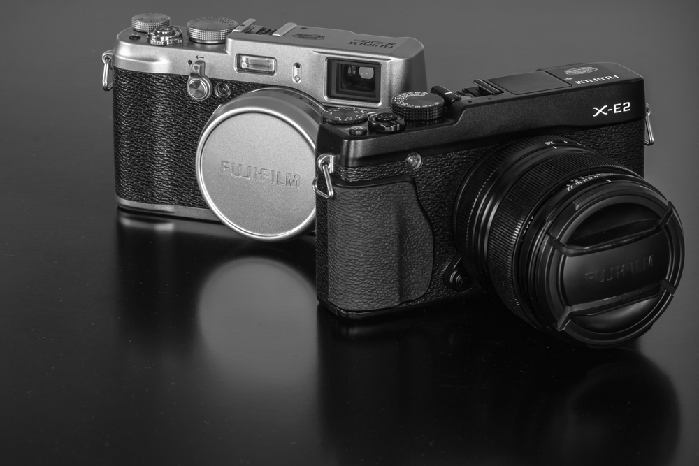 Fujifilm x100s (left) and X-E2 (right) (Click to enlarge)