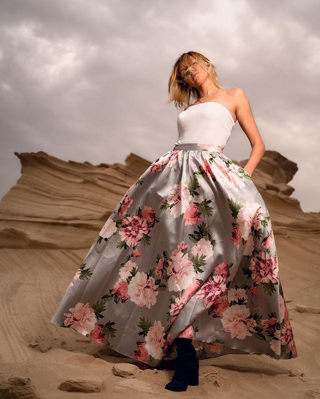 Wind, clouds and sand.  #portrait #dubaiphotographer #dubaimodel #dubaimodels #sonya7ii #sonyimages  #dubai #naturallight #portraitshoot #desert #uae #fashionista #sonyportraits #godox #ocf #flash