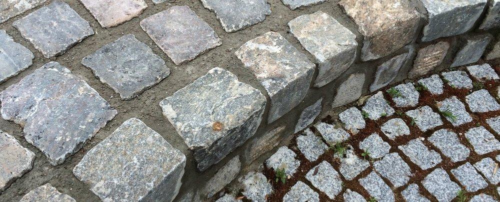 Steine Wanseeterrassen.JPG