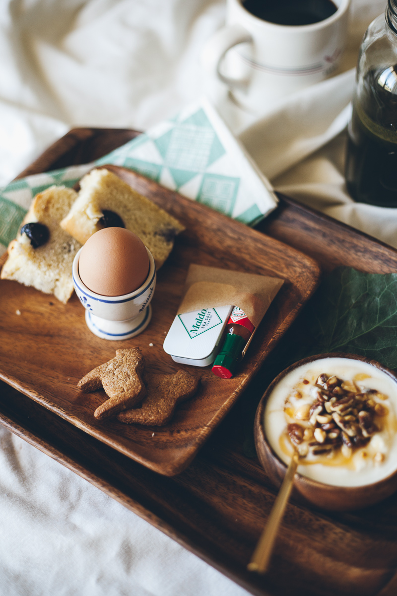 The anatomy of a perfect breakfast in bed a giveaway for A bed and breakfast