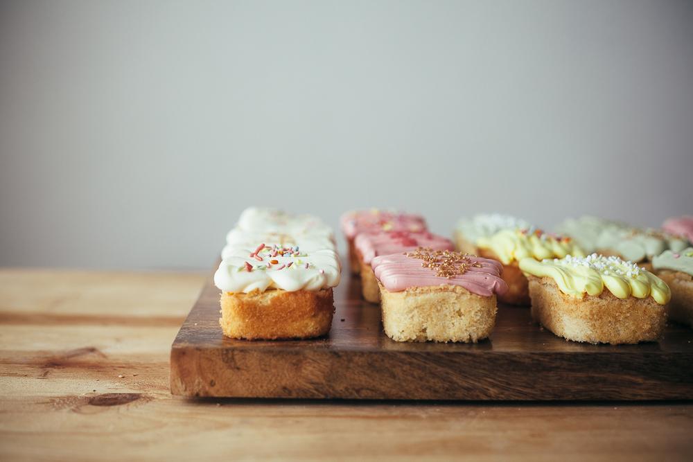 vanilla-loaf-cakes-15.jpg