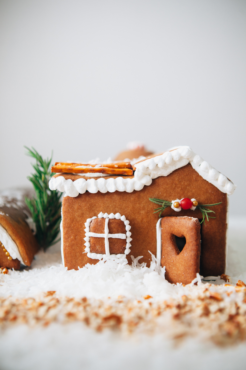gingerbread-house-43-2.jpg