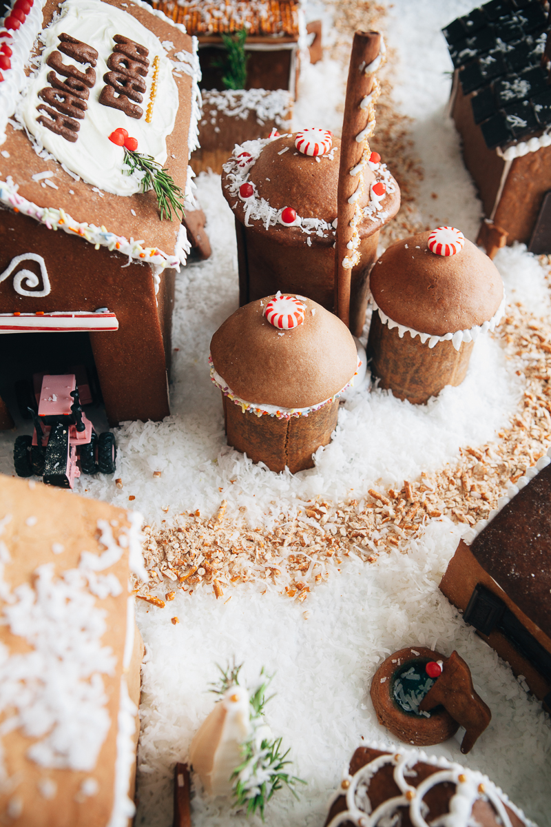 gingerbread farm-3.jpg