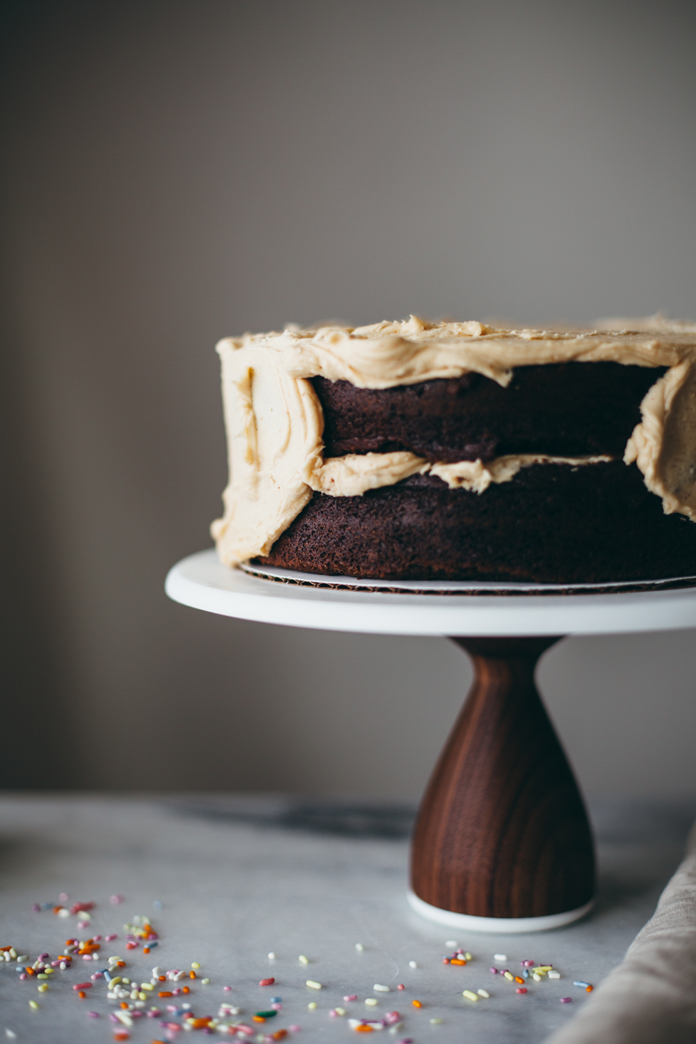 chocolate peanut butter cake-24.jpg