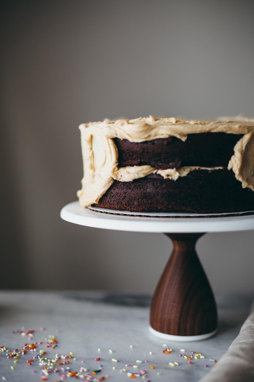 chocolate peanut butter cake-24.jpg