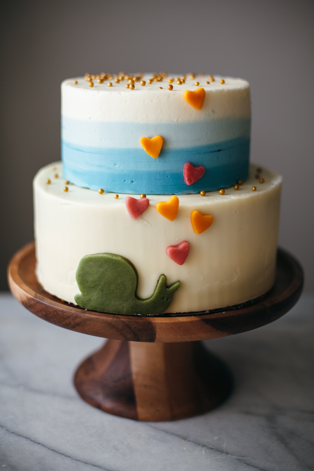Cake decorating tips molly yeh for Decorating advice