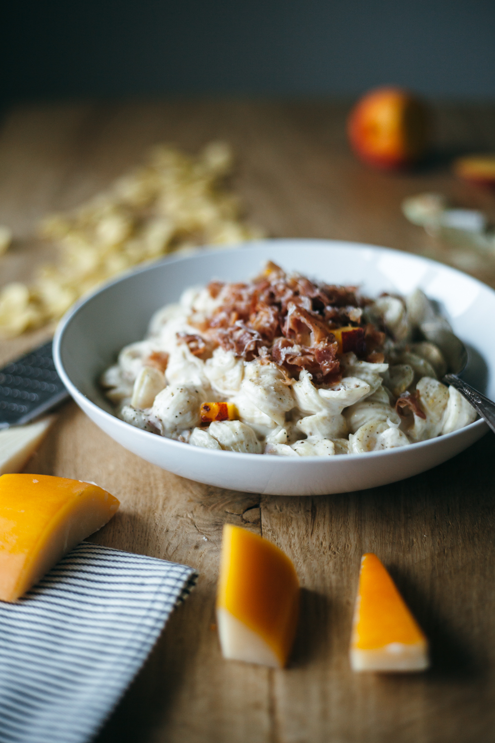 gouda peach prosciutto mac and cheese-8.jpg