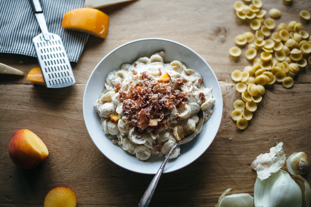 gouda peach prosciutto mac and cheese-13.jpg