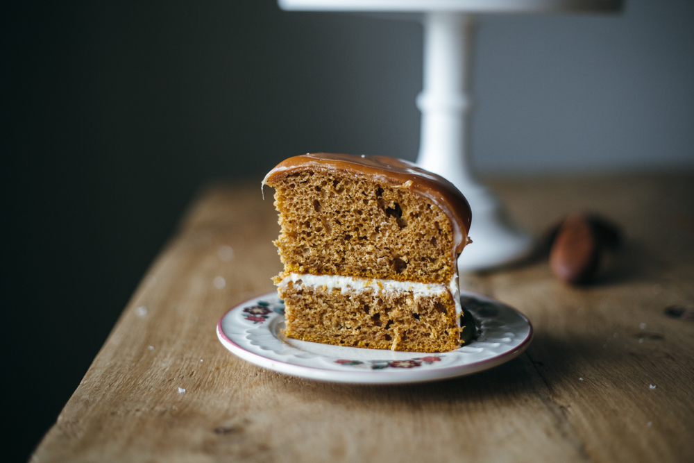 pumpkin cake with cream cheese frosting-2.jpg