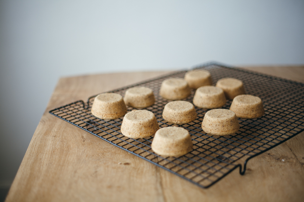 hazelnut mini cakes-2.jpg