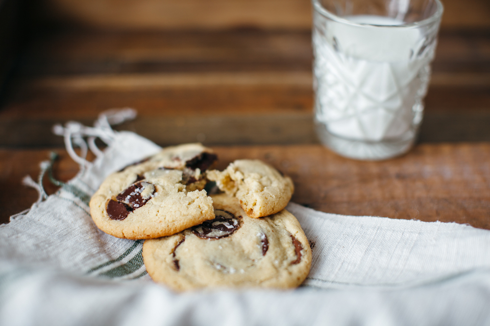 tahini chocolate chip cookies-7.jpg