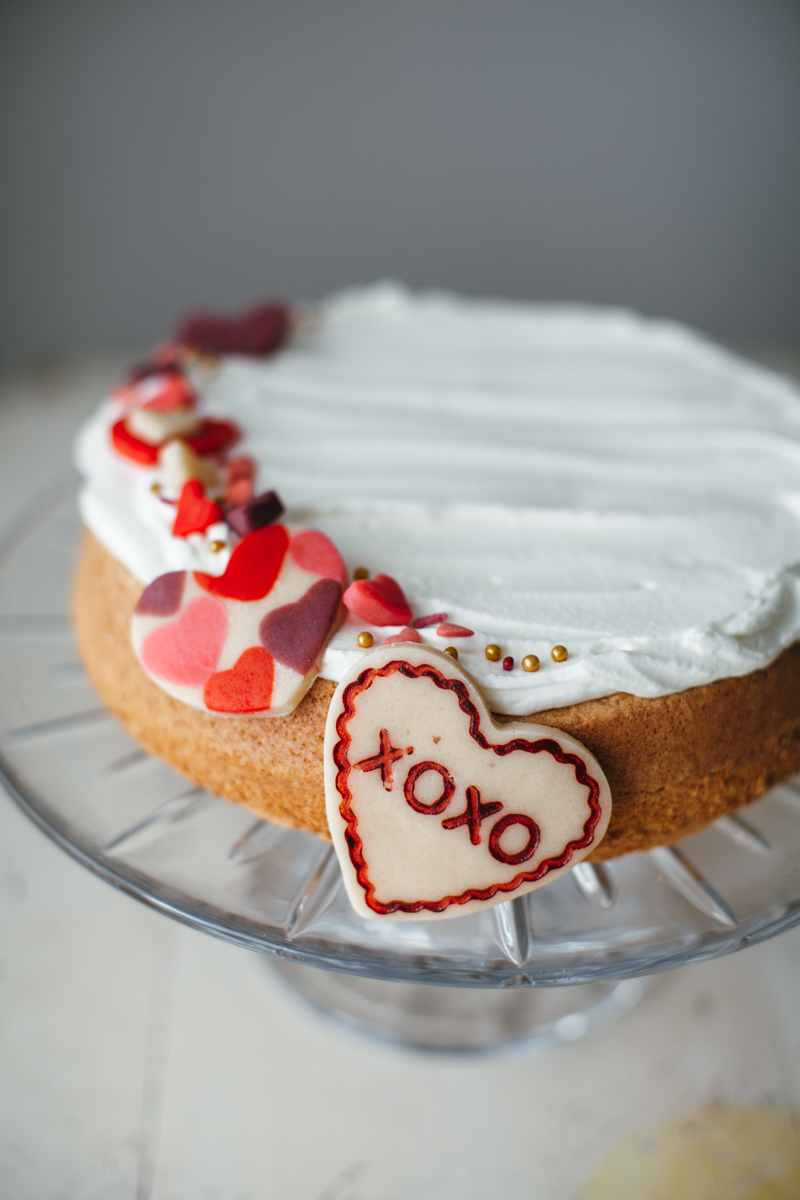 valentine almond cake-12.jpg