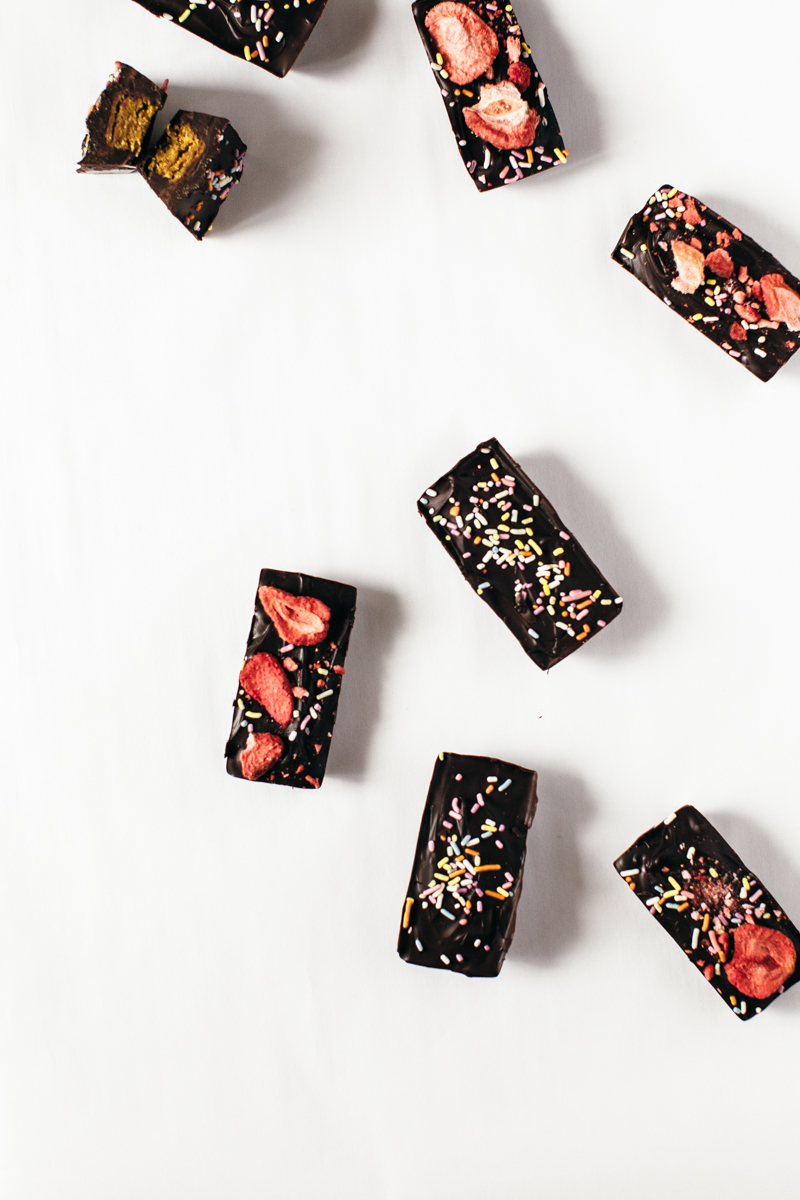 pistachio chocolate bars-15.jpg