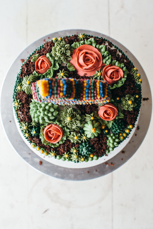 pinata cake-10.jpg