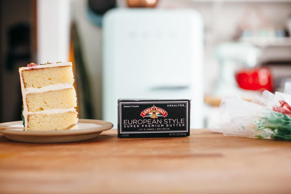 vanilla butter cake marzipan buttercream-10.jpg