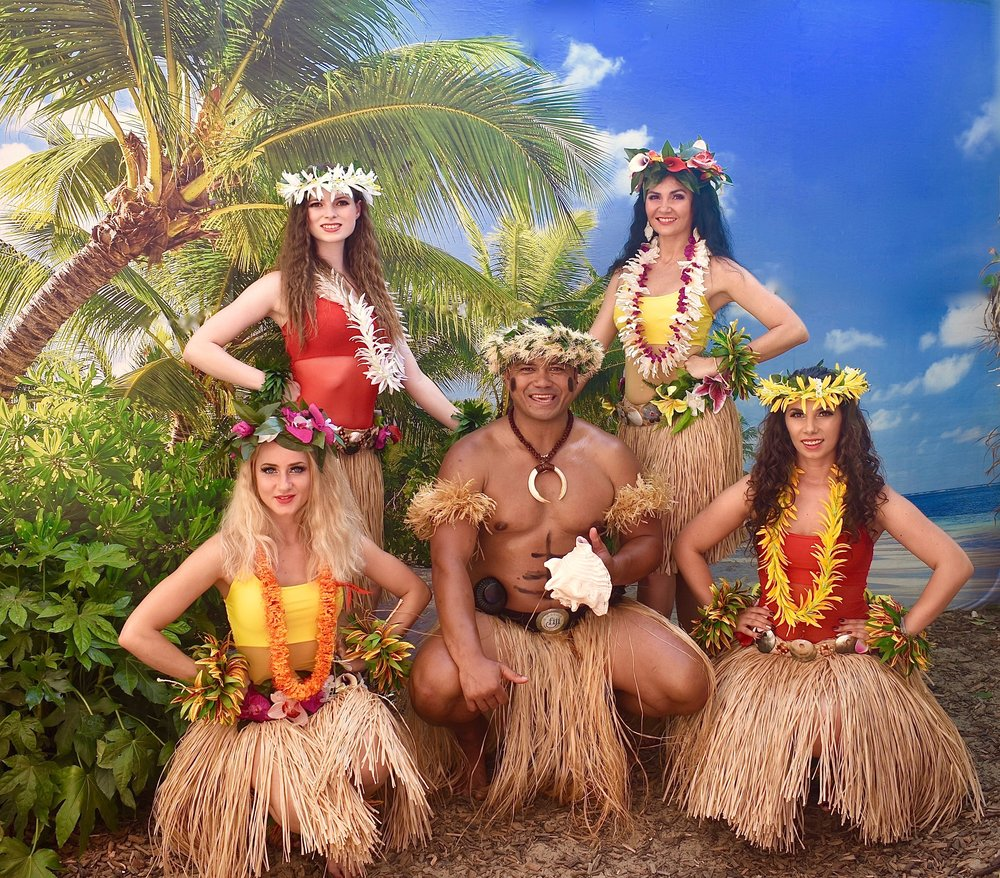 Star Dancers UK Hawaiian 5 dancers.jpeg