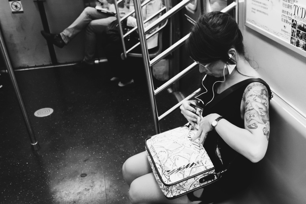 TATTED UP VIXEN ON THE F TRAIN..