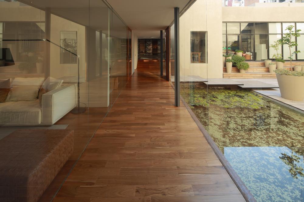 521cbf40e8e44effd400006d_textiles-del-sur-offices-ana-smud_pasillo.jpg