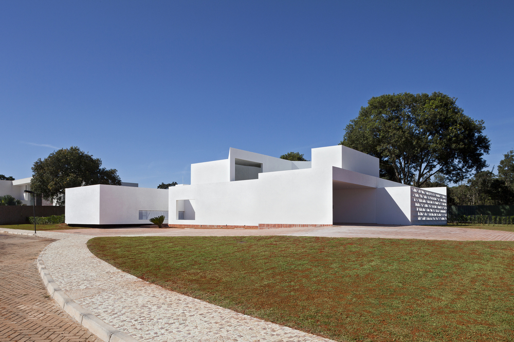 5226a0ade8e44e33d3000133_migliari-guimar-es-house-domo-arquitetos__mg_1396.jpg
