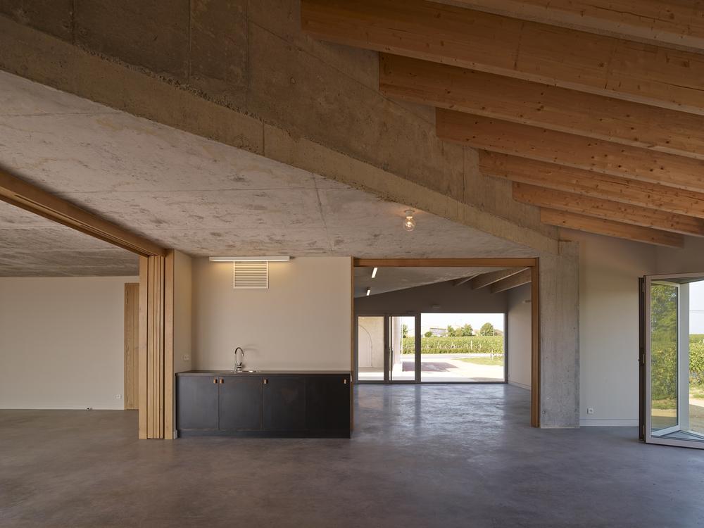 5286211ae8e44e417a000018_clocher-fabre-demarien-architects_23-cf196322-s-chalmeau_non_libre_de_droits.jpg