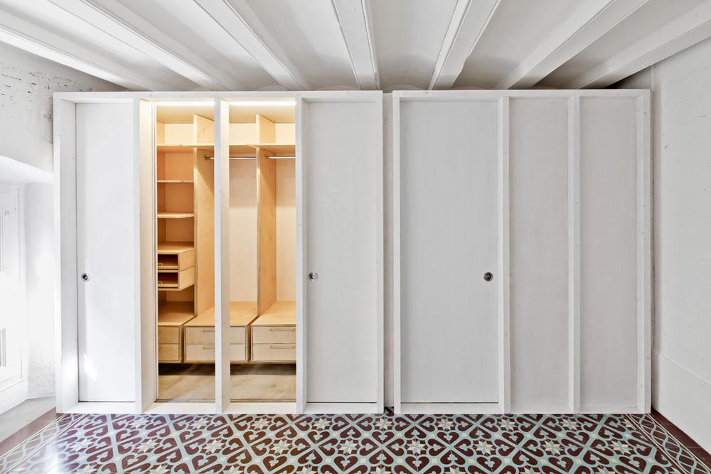 51312b96b3fc4b0d9800116e_apartment-restoration-in-barcelona-vora-arquitectura-_1336599275-r-gg-12.jpg