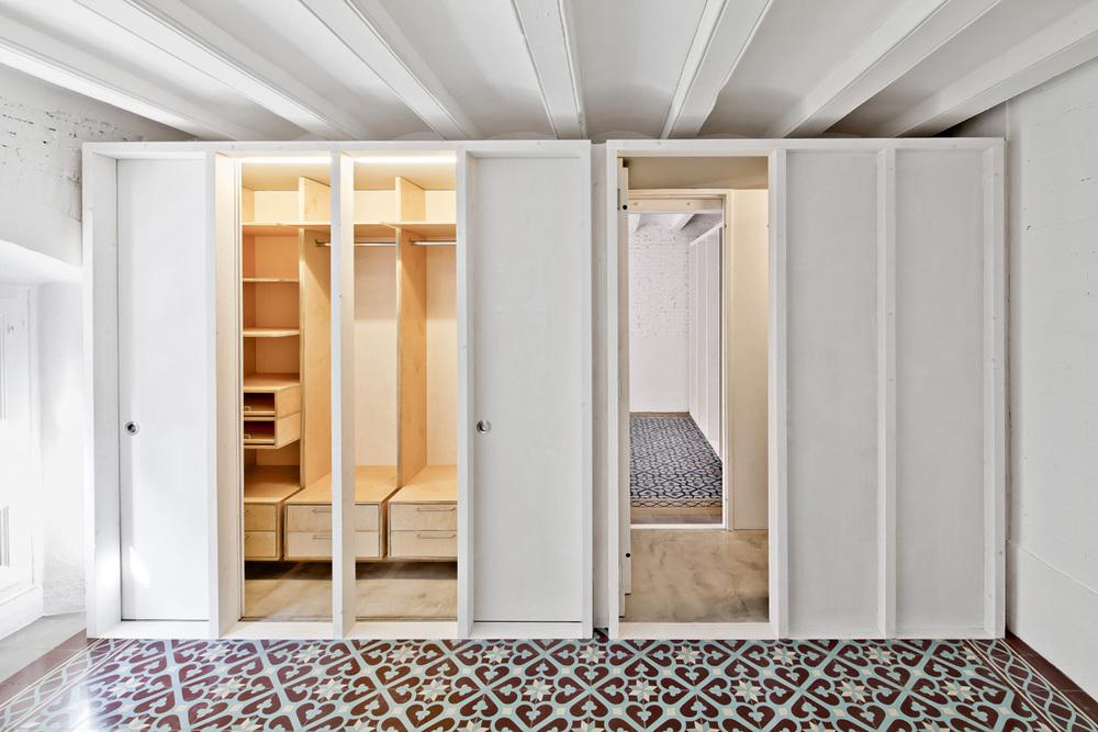 51312b9eb3fc4b0d9800116f_apartment-restoration-in-barcelona-vora-arquitectura-_1336599276-r-gg-13.jpg