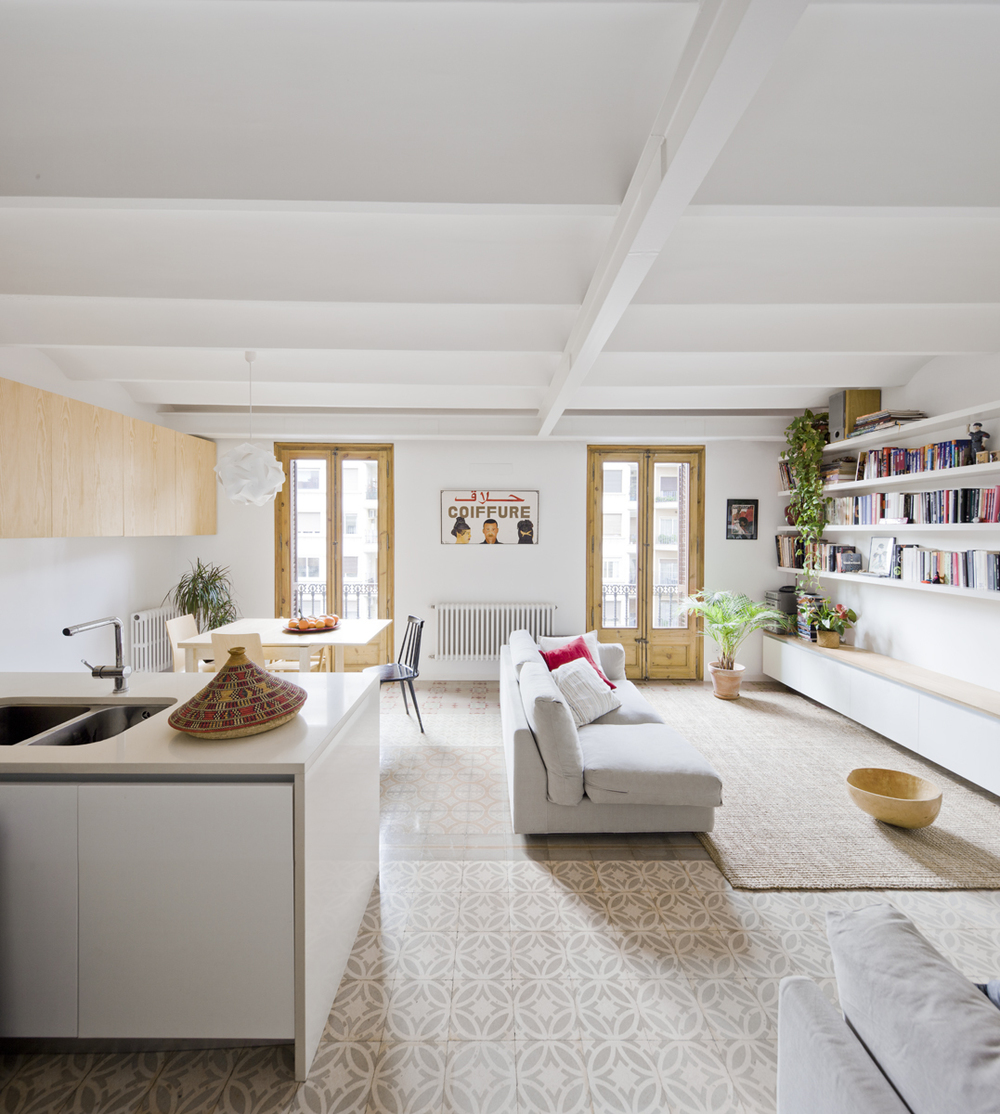52c212d3e8e44ecb690000c7_apartment-refurbishment-anna-eugeni-bach_002_a_eb_urgell.jpg