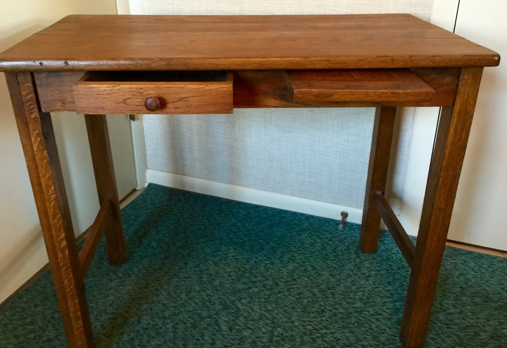 Antique Oak Writing Table SOLD Estimated Value: $200 Starting Bid: $120