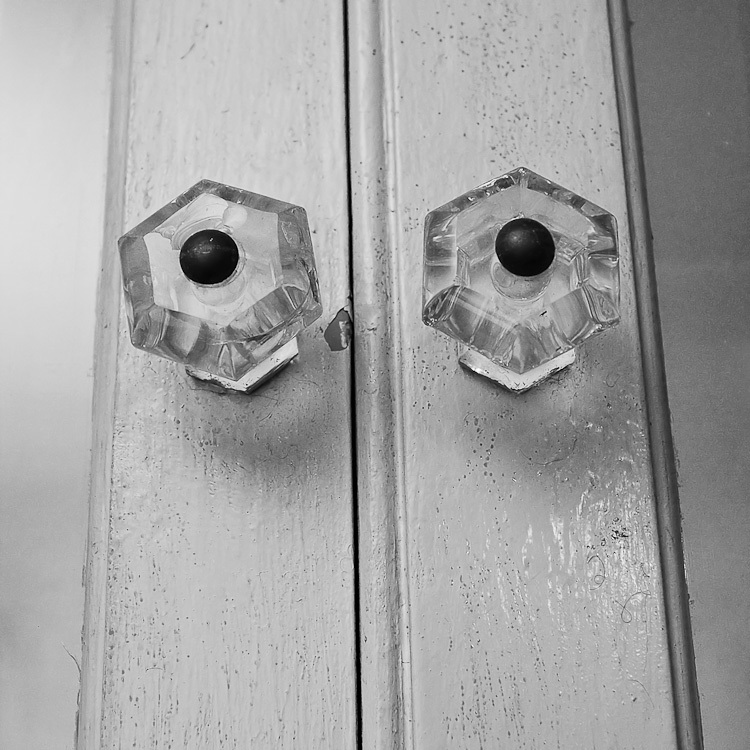 TSAP-4949 Swiss-Cabinet Door Pulls.jpg