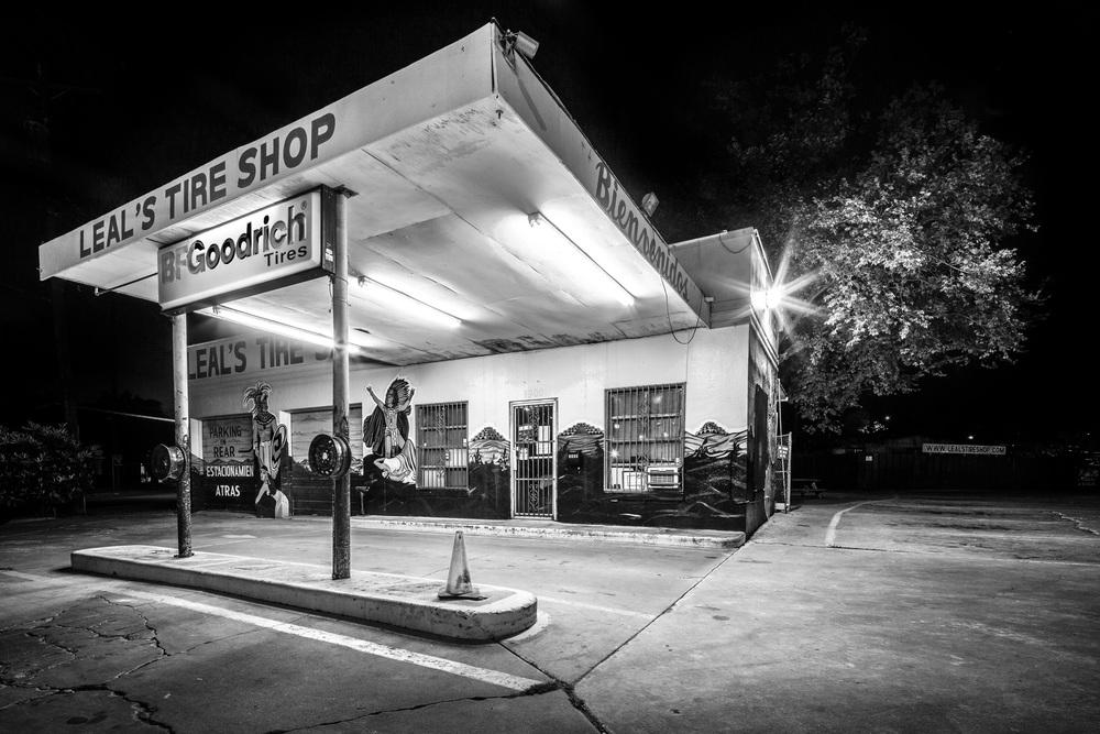 Leal's Tire Shop - B/W