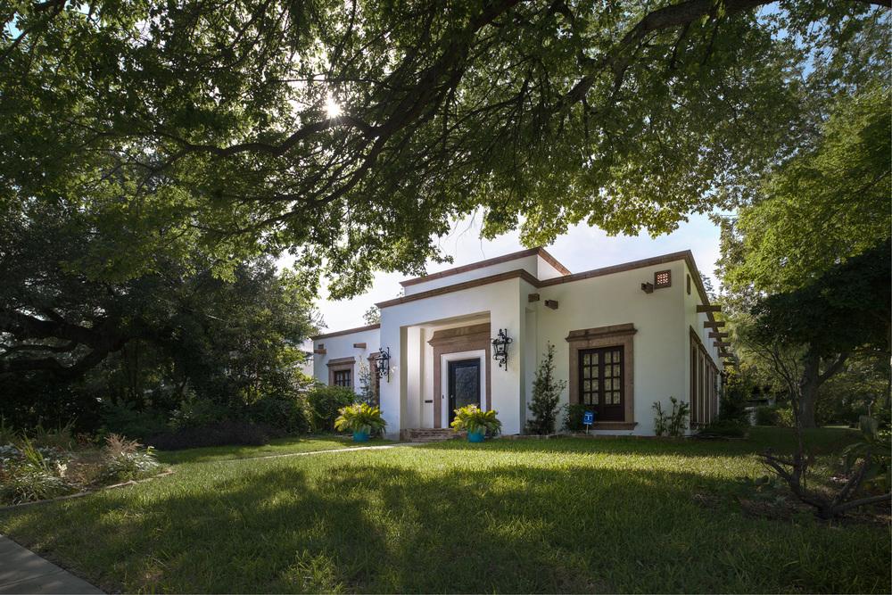 Alamo Heights Residence