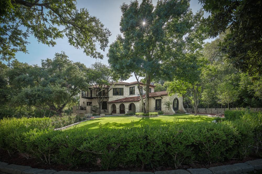 Olmos Park Residence