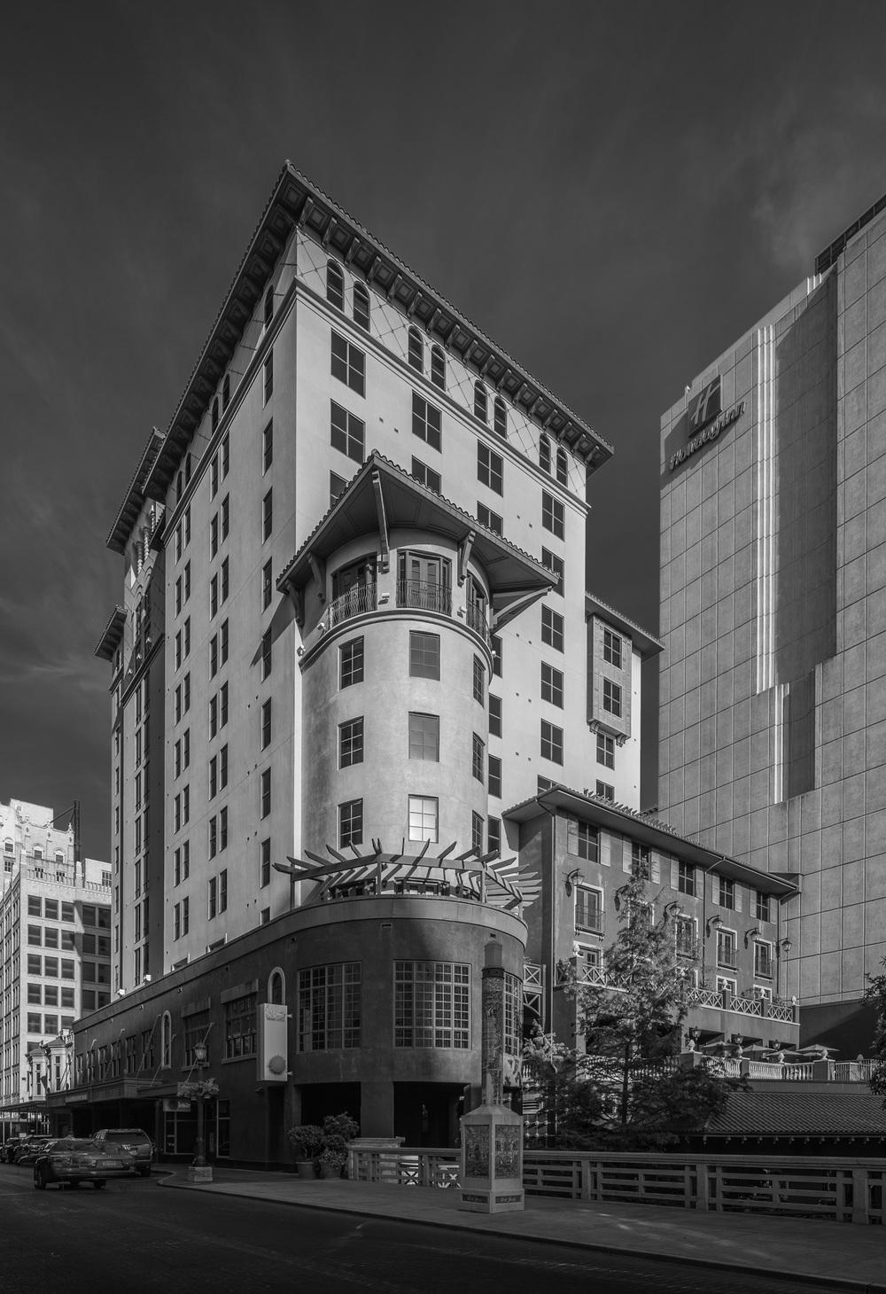 Hotel Valencia - B/W