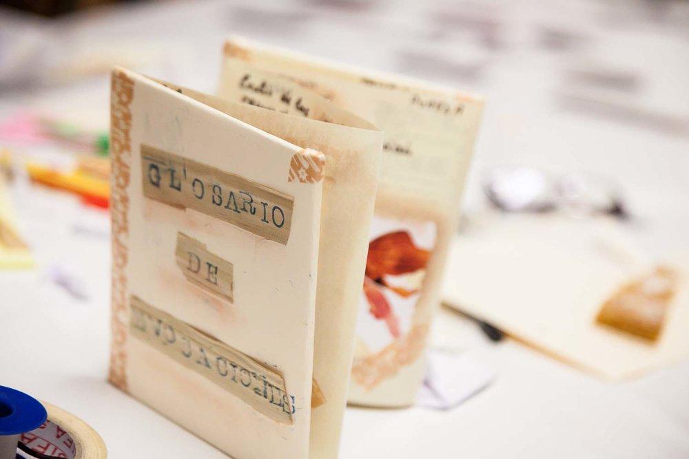 """Muestra de un trabajo realizado durante el curso """"De espejos y ventanas"""", un taller de creación de proyectos fotográficos realizado en Gran Canaria por Tomás Correa"""