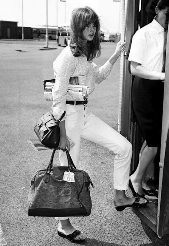 The forever chic Jean Shrimpton off on an adventure. Diggin' those white jeans + a crisp button down!