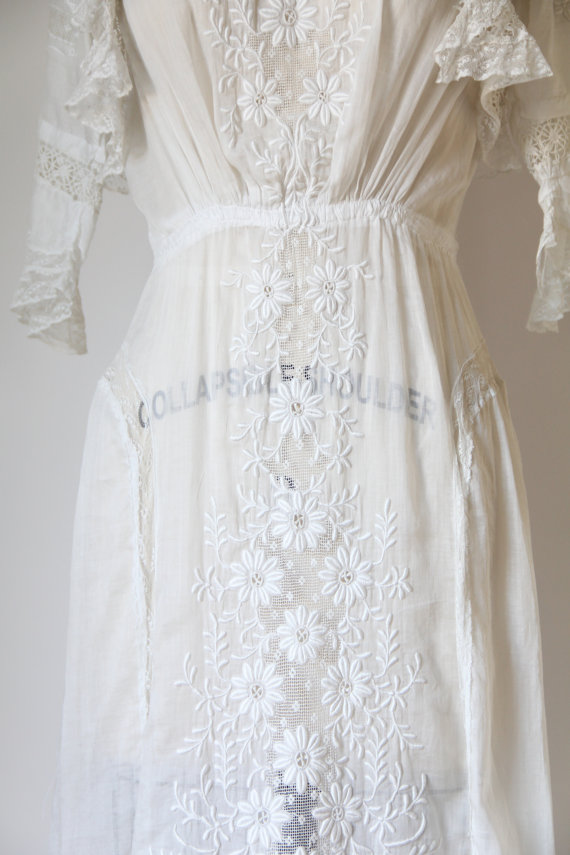 Edwardian Wedding Dress | 740$ Ah, I still can't get over her. This dress might be the prettiest dress I've laid my eyes on, and I can't wrap my mind around the fact that it's 100 years old and in such pristine condition. I am so thankful for previous owners of these wonderfully preserved garments.