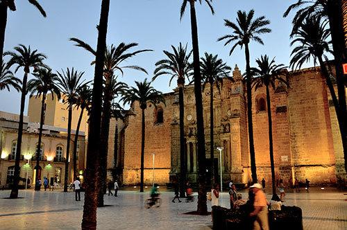Plaza-in-Almeria-01.jpg