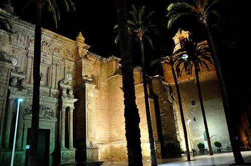 Plaza-in-Almeria-04.jpg