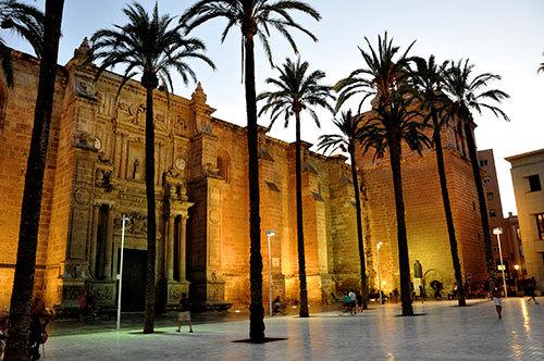 Plaza-in-Almeria-03.jpg