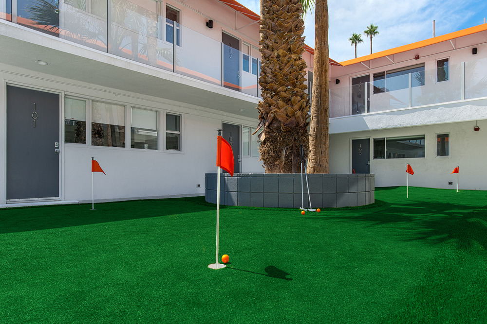 Twist Mini Putting Green